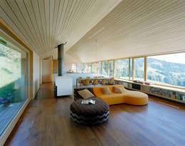 country Living room by Dietrich | Untertrifaller Architekten ZT GmbH