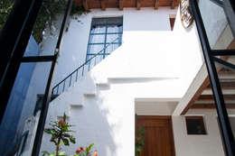 Inspiración: Casas de estilo ecléctico por Mikkael Kreis Architects