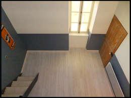 Bureau mezzanine: Salon de style de style Moderne par C'Design