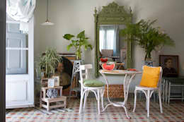 Comedores de estilo mediterraneo por Casa Josephine