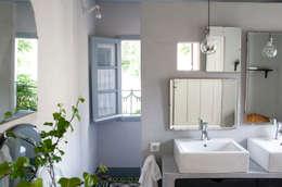 Salle de bains de style  par Casa Josephine