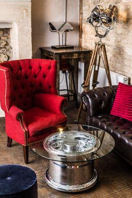 Projekty,  Salon zaprojektowane przez Fallen Furniture