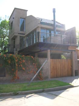 LOFT DE MARTINEZ: Casas de estilo moderno por Laura Avila Arquitecta