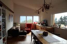 Progetto di Casa ad alta efficienza energetica, CasaClima.: Soggiorno in stile in stile Moderno di Studio Architetti Cornacchini - De Boni