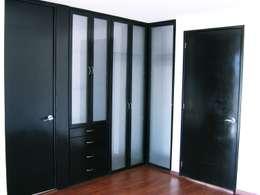 Casa LV: Vestidores y closets de estilo minimalista por ipalma arquitectos