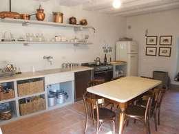Cucine in arte povera, semplici ma con stile!
