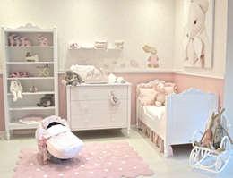 Habitación Belle: Habitaciones infantiles de estilo  por Baby Luna