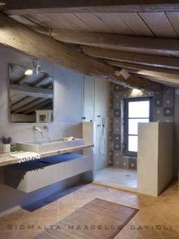 浴室 by Marcello Gavioli