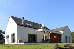 Dom w Rybojedzku : styl nowoczesne, w kategorii Domy zaprojektowany przez Piechnik Architekci