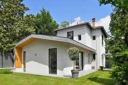 Maison à Ecully: Maisons de style de style Moderne par Tymeno