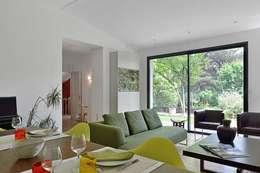 Maison à Ecully: Salle à manger de style de style Moderne par Tymeno