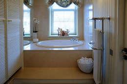 Гринфилд: Ванные комнаты в . Автор – DecorAndDesign