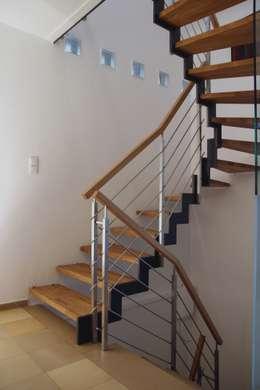 Vestíbulos, pasillos y escaleras de estilo  por Passion Bois