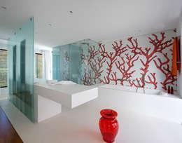 Ванные комнаты в . Автор – Vincent Coste Architecte