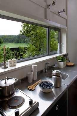 rustic Kitchen by AA s.c. Anatol Kuczyński Anna Kuczyńska