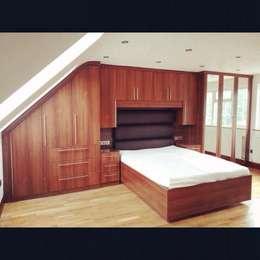 moderne Schlafzimmer von Smiths fitted wardrobes Ltd