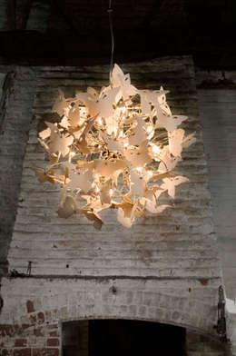 Soggiorno in stile  di Boatswain Lighting