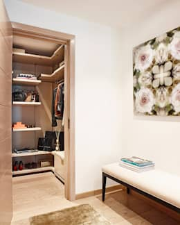 modern Dressing room by Anna Casa