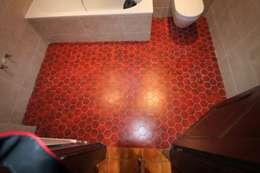 Salle de bain avant la réalisation de la décoration: Salle de bains de style  par THIERRY HERR