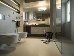 sala da bagno: Bagno in stile in stile Moderno di desink.it
