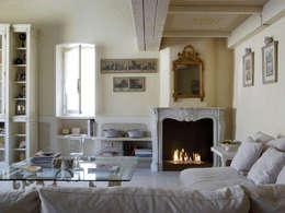 Le cornici francesi: Giardino in stile in stile Classico di Fuocobio