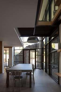 scandinavian Dining room by Concrete LCDA