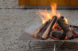 Fireplate 3: moderner Garten von Radius Design