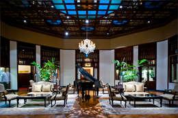 Hoteles de estilo  por The Silkroad Interior Design