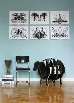Salon de style de style eclectique par Stange Design