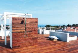 Terrazza del Notaio: Terrazza in stile  di studio architettura battistelli roccheggiani