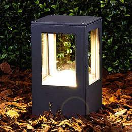 Rechteckige LED-Sockelleuchte Nicola, IP54: moderner Garten von Lampenwelt.de