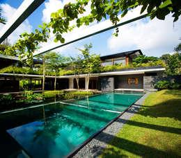 Casas de estilo  por Guz Architects