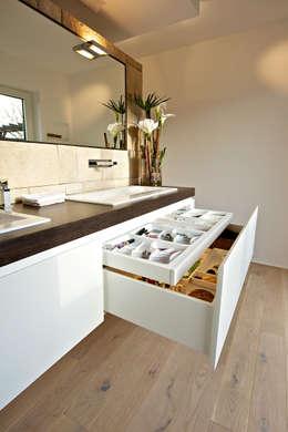 modern Bathroom by Helm Design by Ihr Schreinermeister GmbH