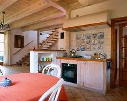 Dom w Hornówku (dom własny): styl , w kategorii Kuchnia zaprojektowany przez BM-Architekci