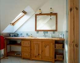 Dom w Hornówku (dom własny): styl , w kategorii Łazienka zaprojektowany przez BM-Architekci