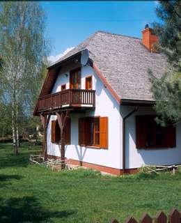 Dom w Hornówku (dom własny): styl wiejskie, w kategorii Domy zaprojektowany przez BM-Architekci