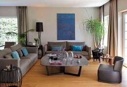 Esra Kazmirci Mimarlik: modern tarz Oturma Odası