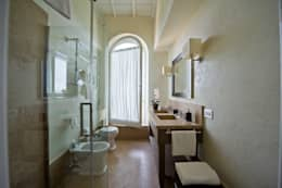 classic Bathroom by archbcstudio