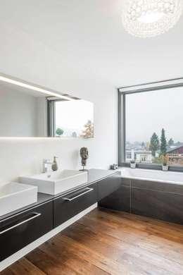 Marty Häuser AG의  화장실