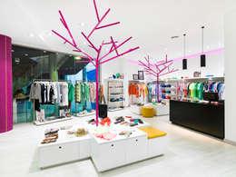 Espaces commerciaux de style  par margarotger interiorisme