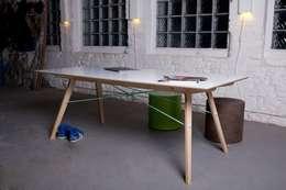 """Tisch """"plug(n)ply"""":  Esszimmer von Stückwerk"""