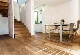 : moderne Wohnzimmer von homify