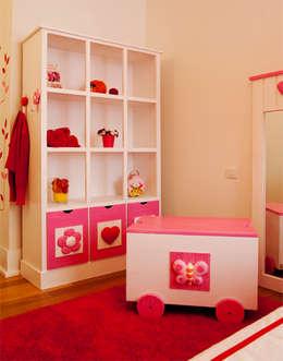 Habitaciones infantiles de estilo  por adoroaminhacasa