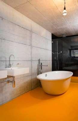 Projekty,  Łazienka zaprojektowane przez Marty Häuser AG