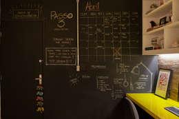 Estudios y oficinas de estilo industrial por Passo3 Arquitetura