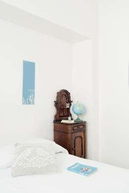 Camera Da Letto: Case in stile in stile Moderno di Grooppo.org