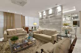 classic Living room by Redecker + Sperb arquitetura e decoração