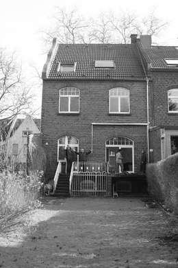 Projekty, klasyczne Domy zaprojektowane przez 28 Grad Architektur GmbH