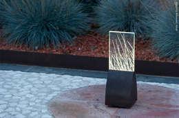 LYX luminaires balise BA o11: Jardin de style de style Moderne par Claude Robin Création (CRC)
