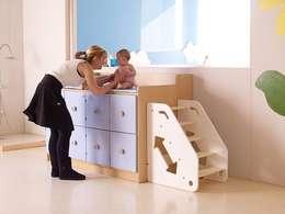 mobilier petite enfance: Chambre d'enfant de style de style Moderne par MOLUDO